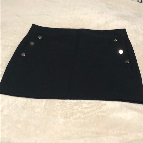 Banana Republic Dresses & Skirts - Navy blue skirt with lining & sliver buttons.
